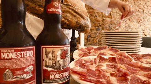 Cerveza de Monesterio. La primera cerveza del mundo creada, expresamente, para degustar con productos ibéricos.